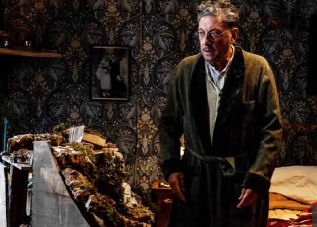 'Natale in casa Cupiello', con De Angelis il tentativo di portare in scena l'anima di Eduardo