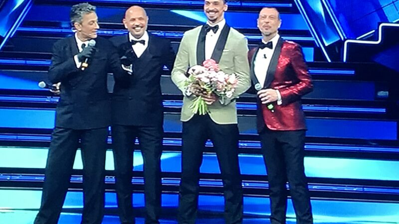 Terza serata Sanremo 2021, un mare di musica e duetti 'flop'